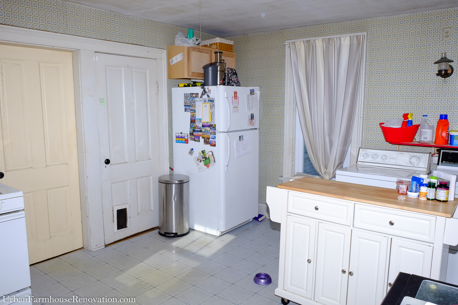 My kitchen is closed off from the main living space and has 3 doorways and 3 windows making it difficult to find usable space. It is in desperate need of a makeover! #LGLimitlessDesign #Contest
